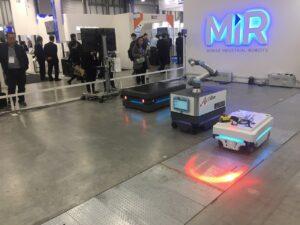 MIR AMR(完全自律型搬送ロボット)