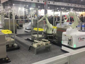 川崎重工業 多関節ロボット